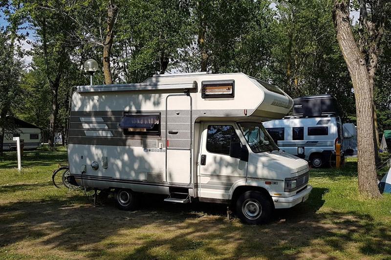 piazzole-per-camper-campeggio-falconera